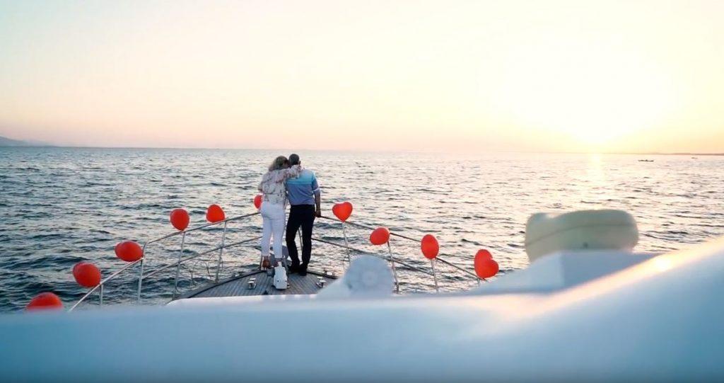 Teknede Yıl Dönümü Organizasyonu Mutluluk Teknesi