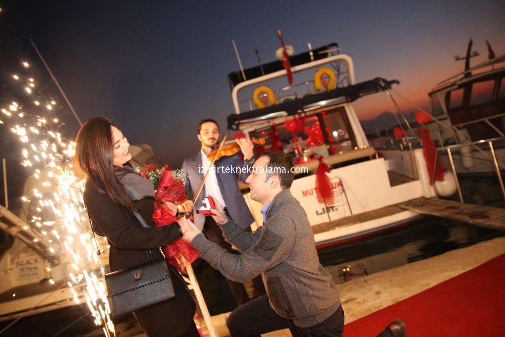 Teknede evlilik teklifi Organizasyonu