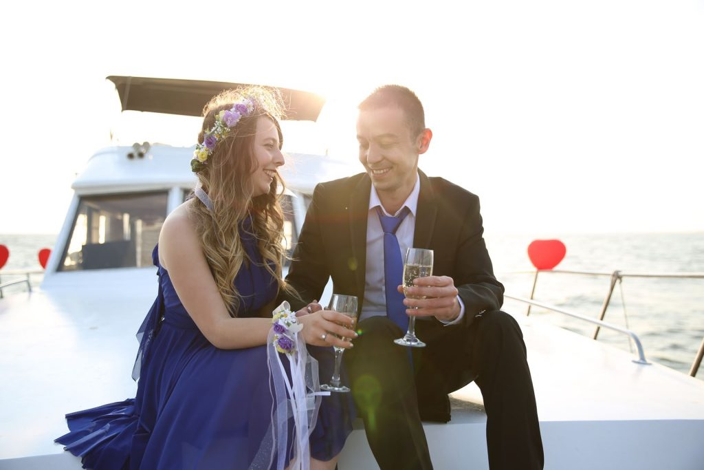 Yatta evlenme teklifi organizasyonu-Bostanlı teknede evlilik teklifi organizasyonu
